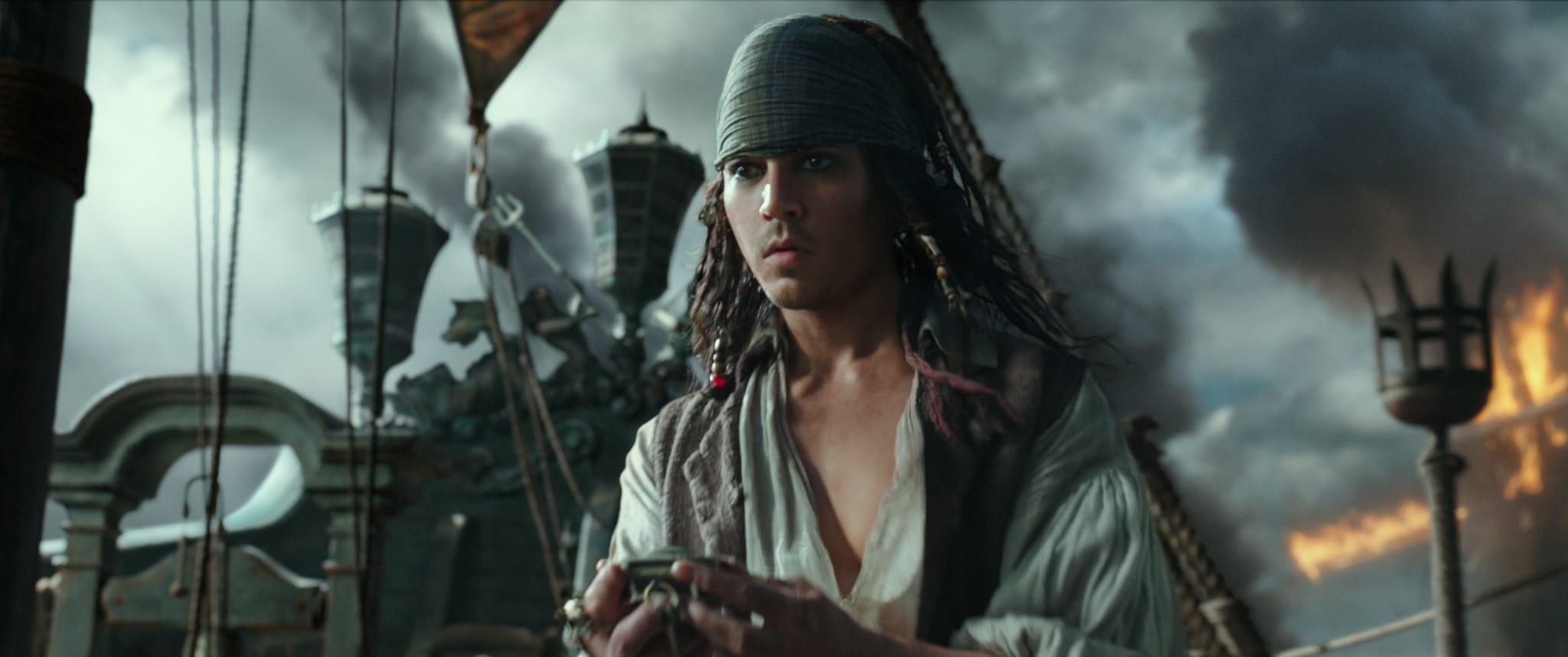 Jack Sparrow giovane Johnny Depp in Pirati dei Caraibi – La vendetta di Salazar