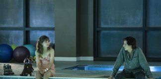 Cole Sprouse e Haley Lu Richardson in A un metro da te