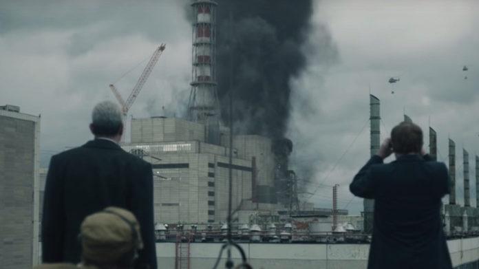 Chernobyl, boom di selfie sul luogo del disastro: parla Craig Mazin
