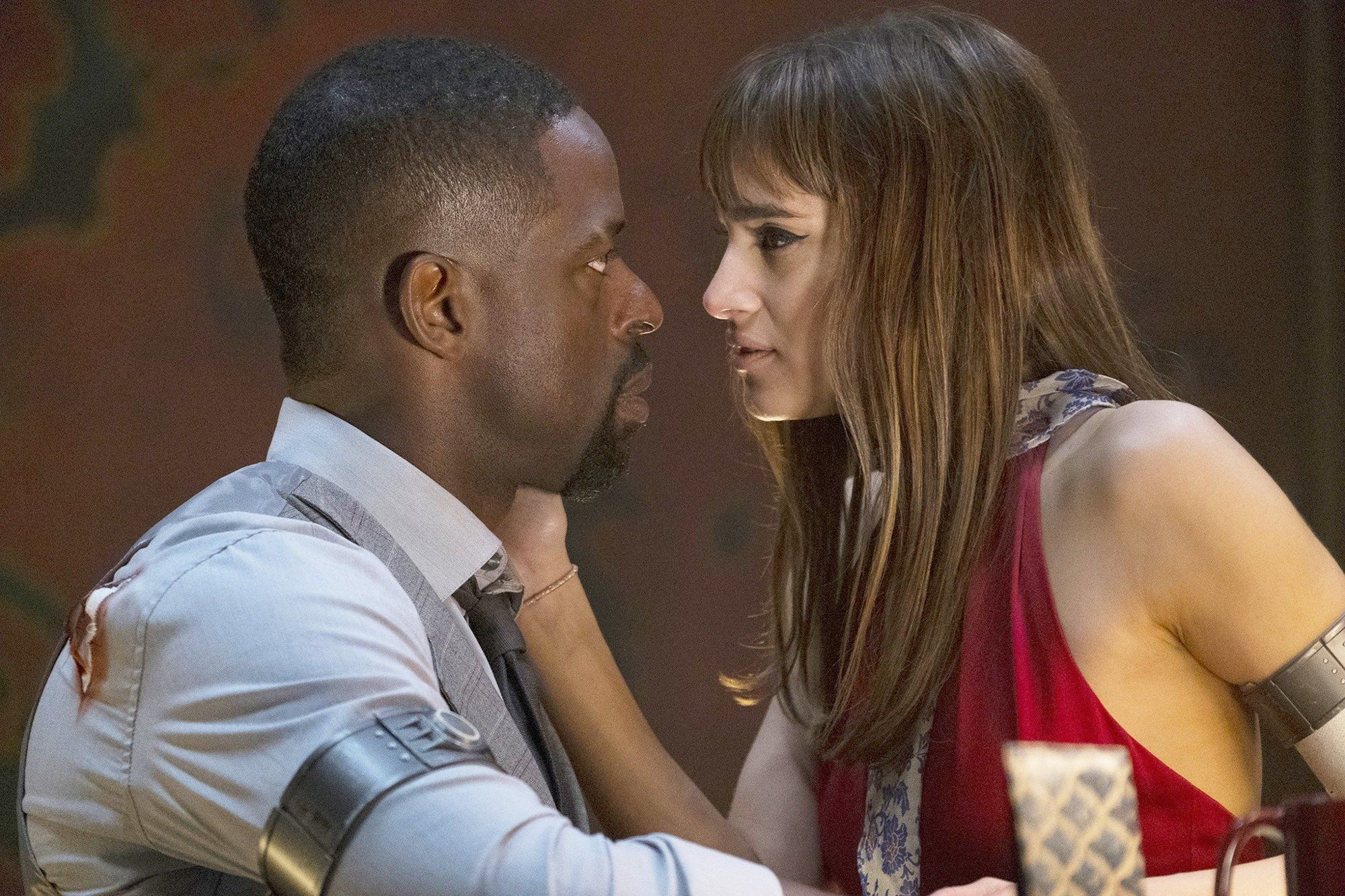 Sterling K. Brown e Sofia Boutella