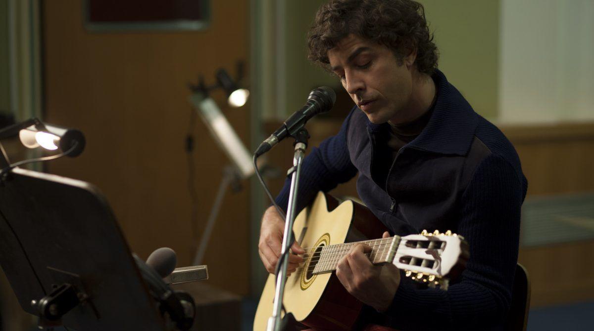 Michele Riondino canta Battisti