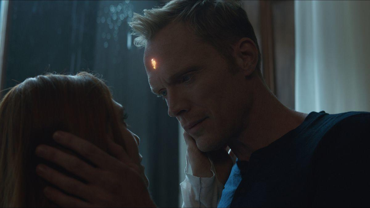 Elizabeth Olsen e Paul Bettany