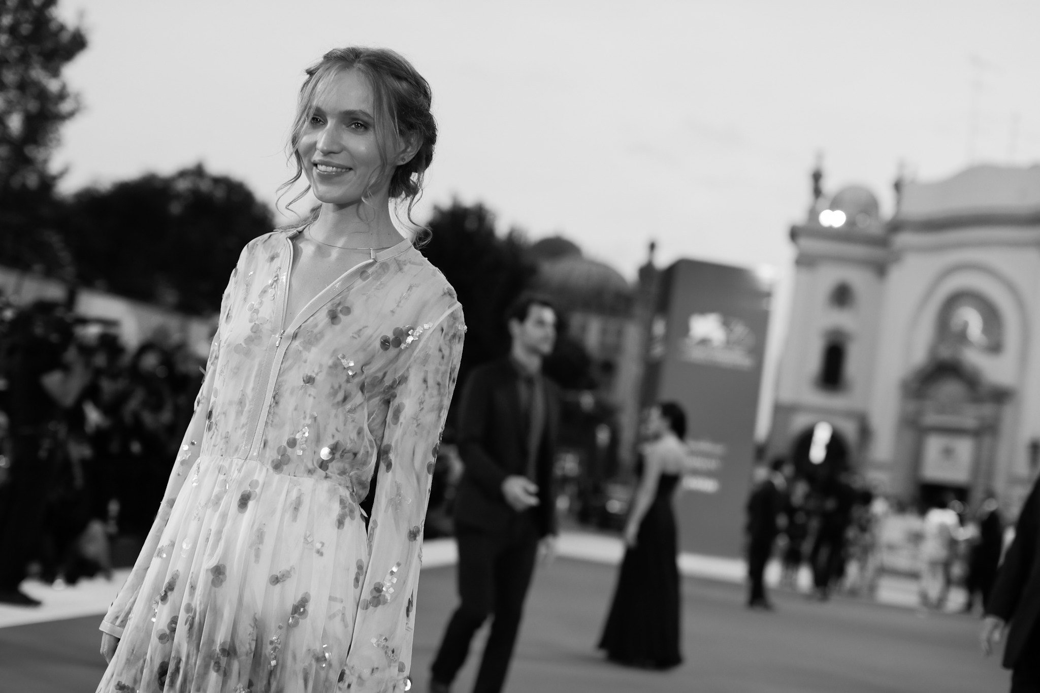Jessica Cressy sul red carpet di Venezia