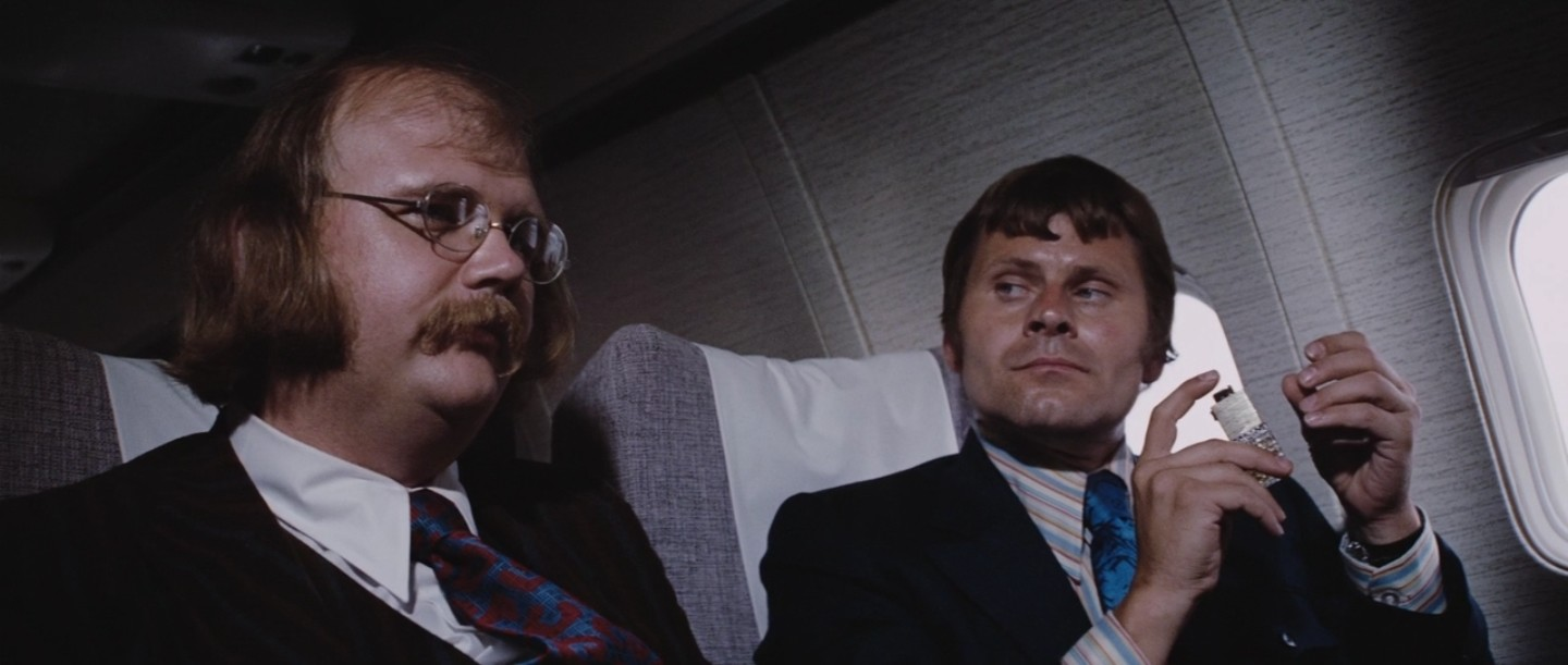 Mr Kidd (Putter Smith) e Mr Wint (Bruce Glover) in Diamonds Are Forever