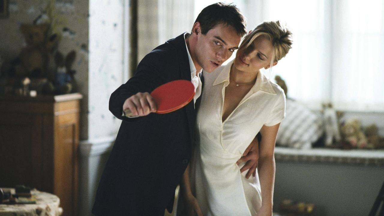Jonathan Rhys Meyers e Scarlett Johansson