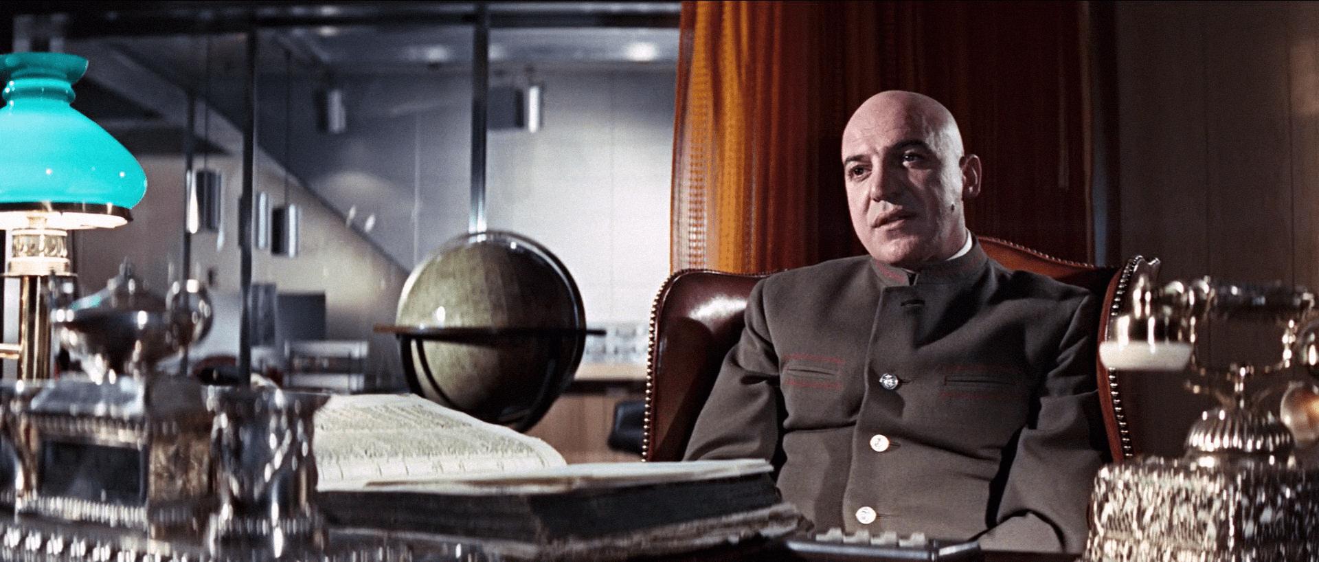 Telly Savalas interpreta Ernst Stavro Blofeld in Al Servizio Segreto di Sua Maestà