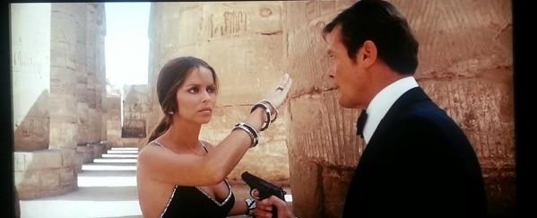 I rapporti tra Anya Amasova e James Bond non sono sempre distesi