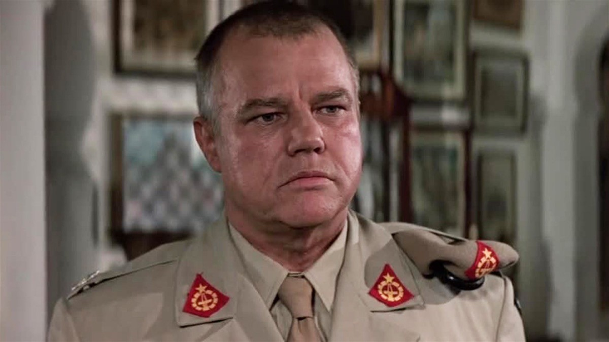 Joe Don Baker nel ruolo di Brad Whitaker in The Living Daylights