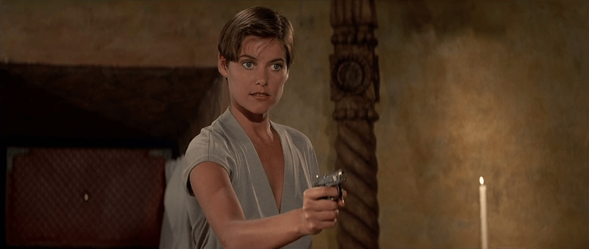 Carey Lowell è Pam Bouvier in Licence to Kill