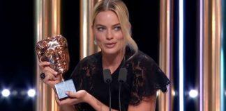 BAFTA 2020: Margot Robbie riceve il premio di Brad Pitt