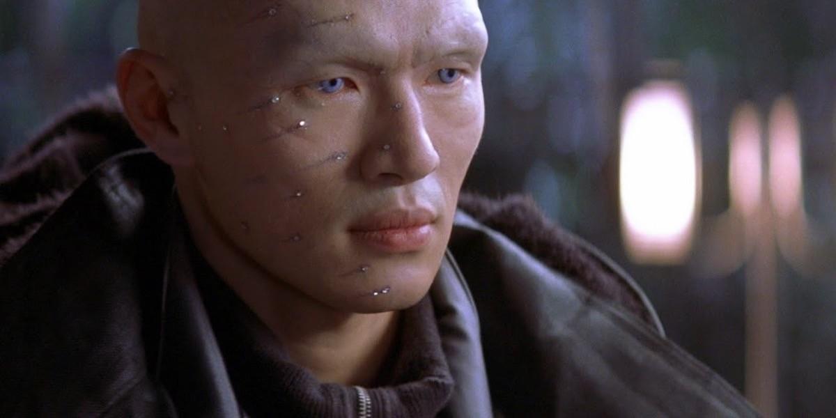 Rick Yune interpreta il terrorista Zao, con il volto tutto tempestato di diamanti