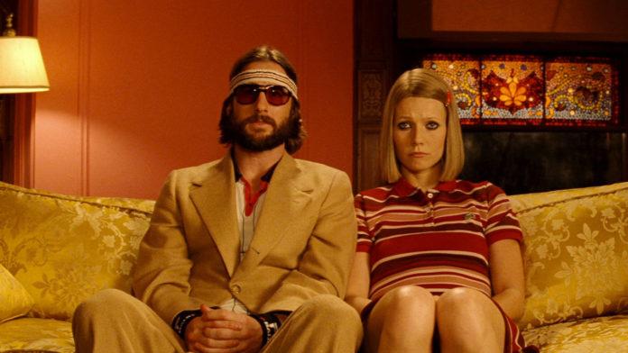 Jason Schwartzman e Gwyneth Paltrow ne I Tenenbaum di Wes Anderson