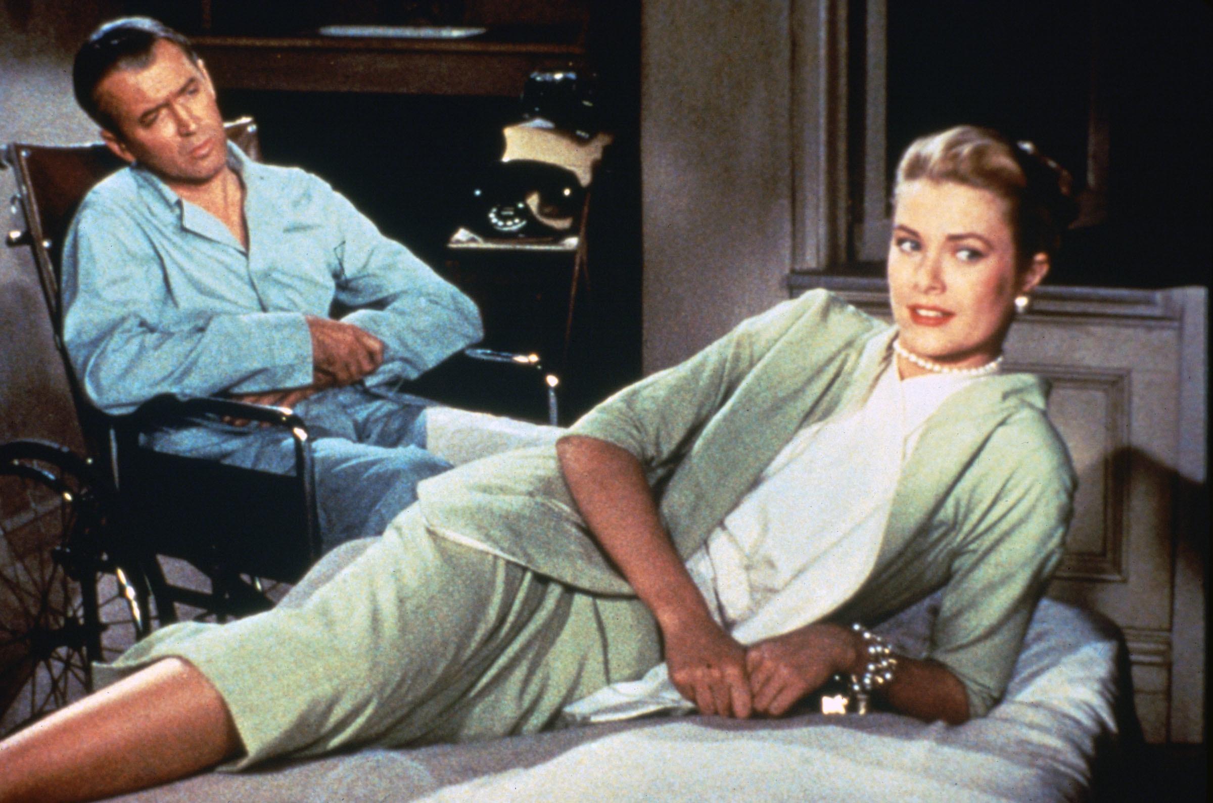James Stewart e Grace Kelly in La finestra sul cortile (1954)