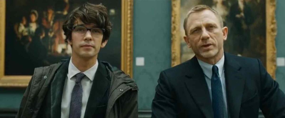 Q (Ben Whishaw) incontra Bond (Daniel Craig) in Skyfall