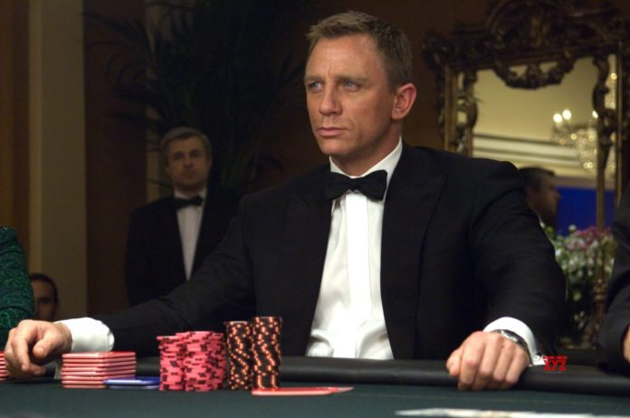 Daniel Craig è il sesto James Bond della serie ufficiale Eon Productions