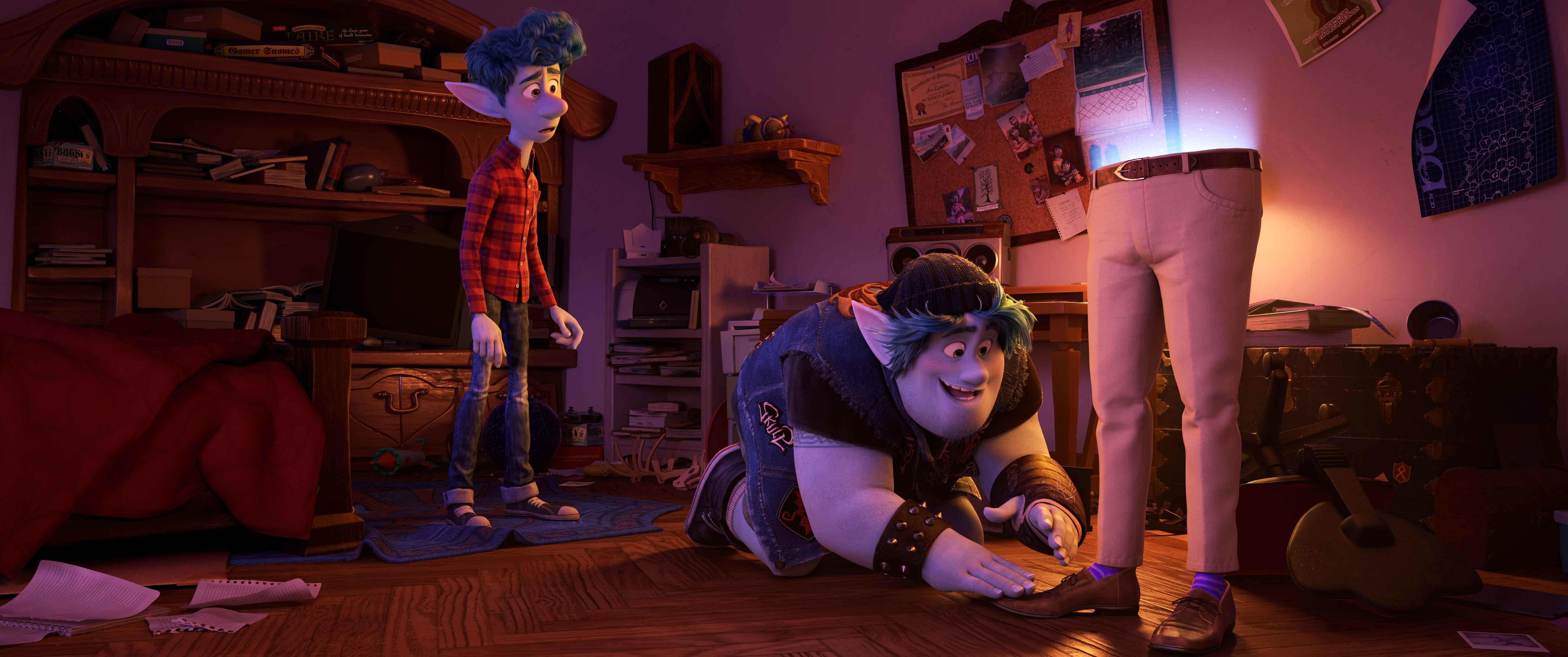 """Ian (Tom Holland), Barley (Chris Pratt) Lightfoot e e """"papà"""""""