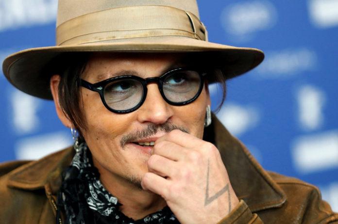 Pirati dei Caraibi 6: Johnny Depp ritorna Jack Sparrow Berlinale 2020: Johnny Depp presenta Minamata