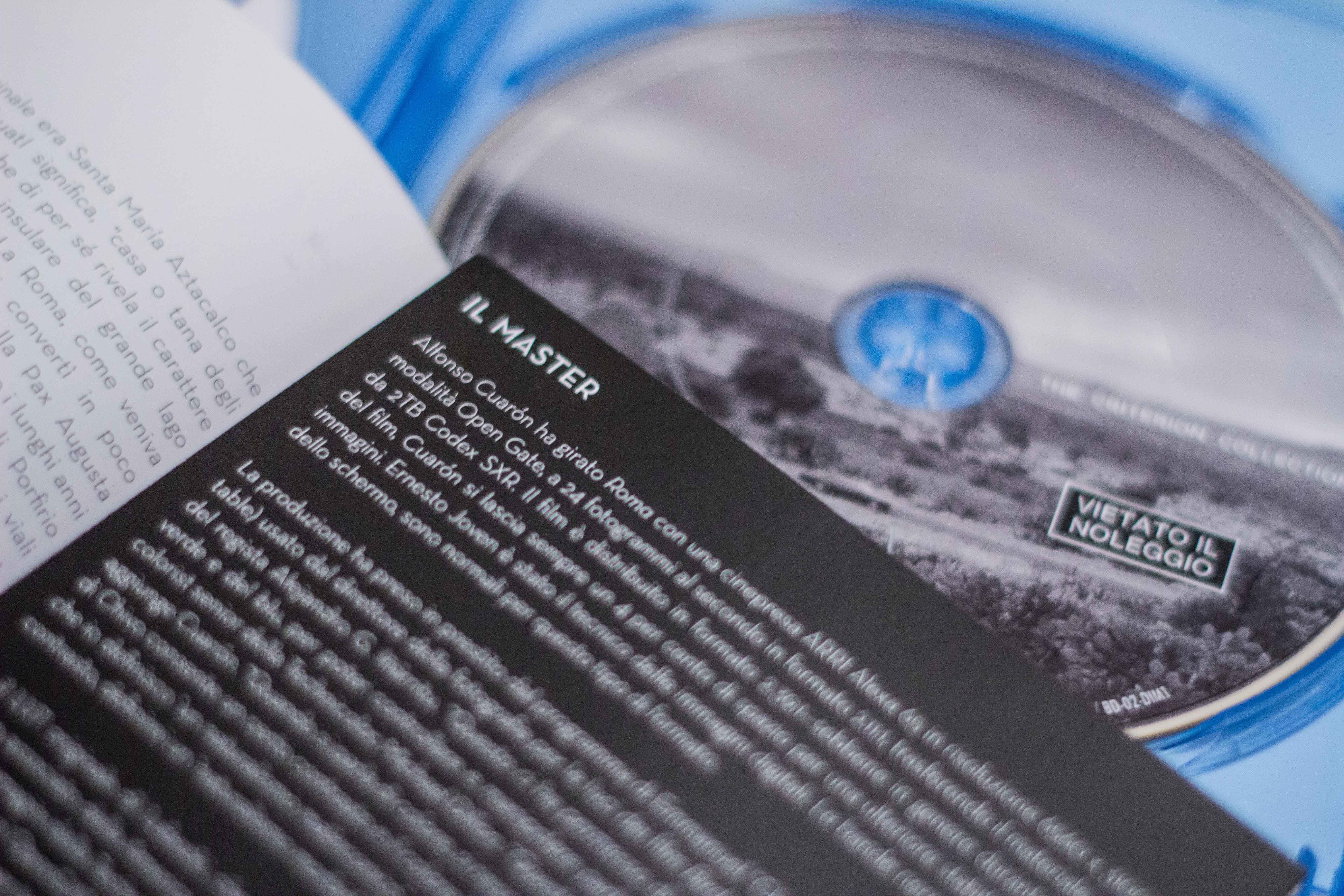 Il booklet di Roma in Blu-ray
