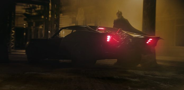 The Batman: la Batmobile svelata nelle prime foto dal set