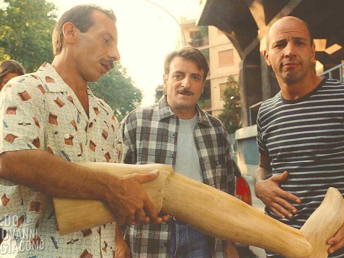 Tre Uomini E Una Gamba Recensione Stasera In Tv Chetvedi Madmass It
