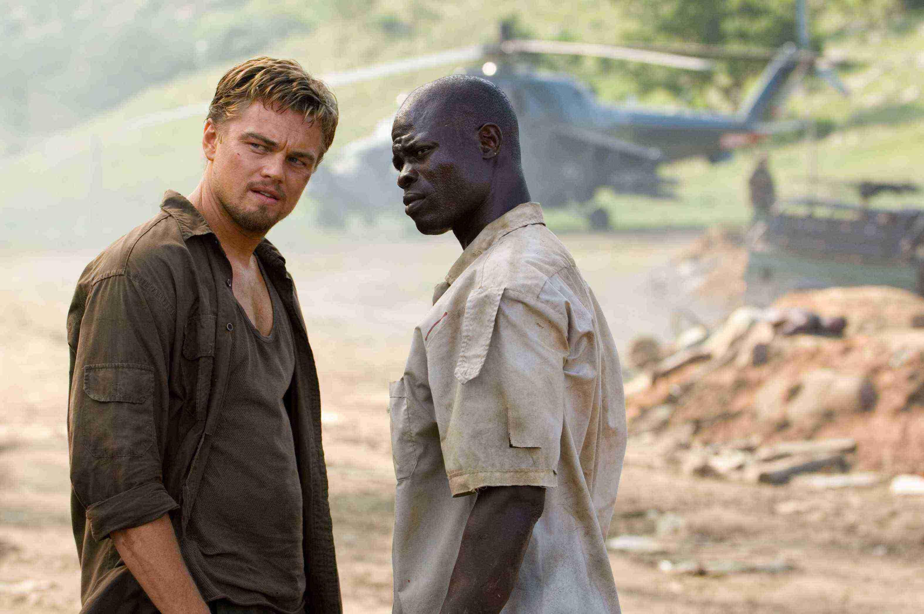 Leonardo DiCaprio e Djimon Hounsou