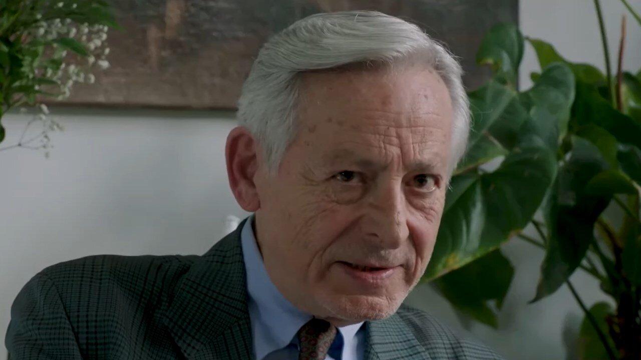 Leo Gullotta ne Il delitto Mattarella