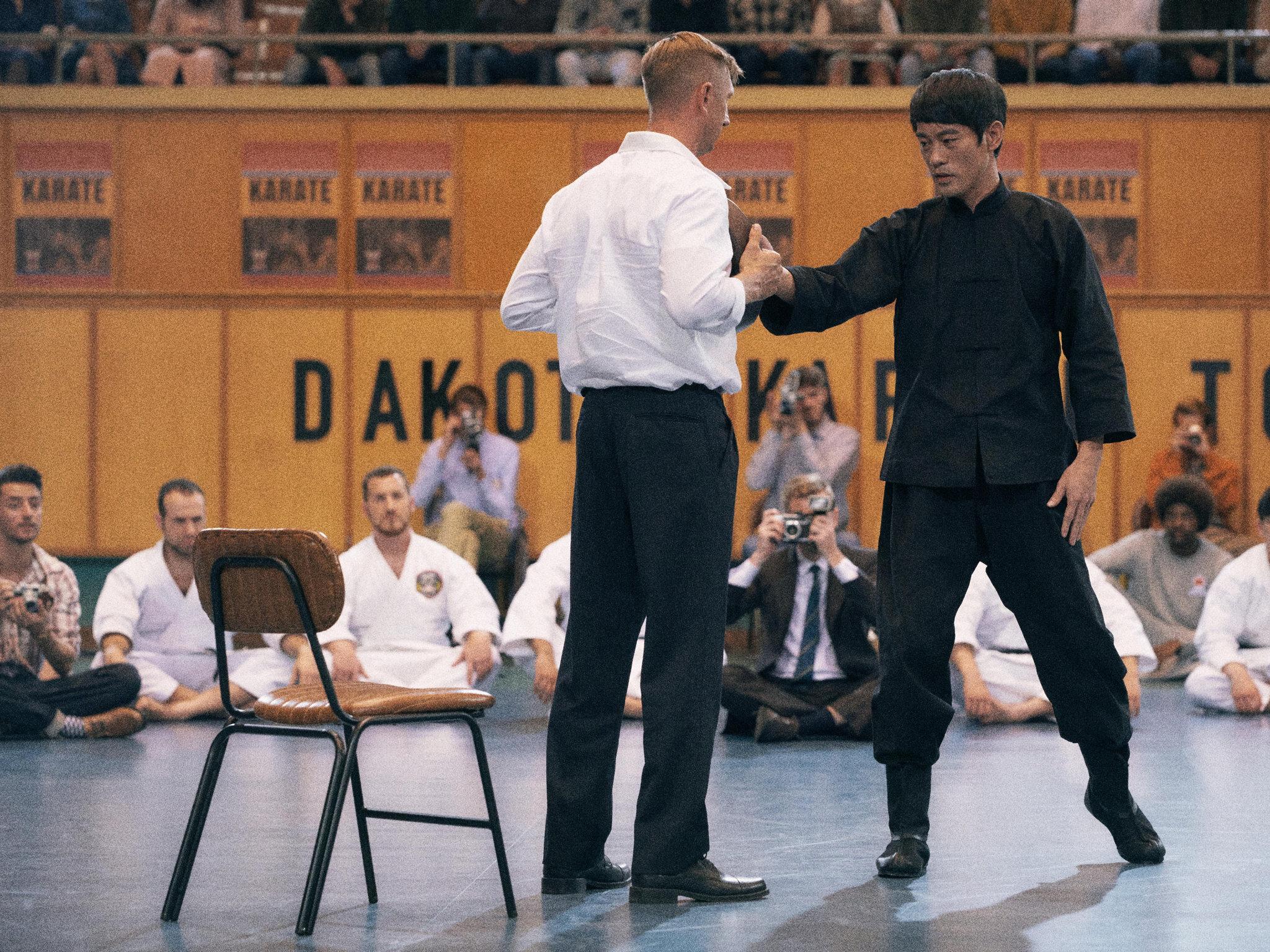 Danny Kwok-Kwan Chan interpreta Bruce Lee