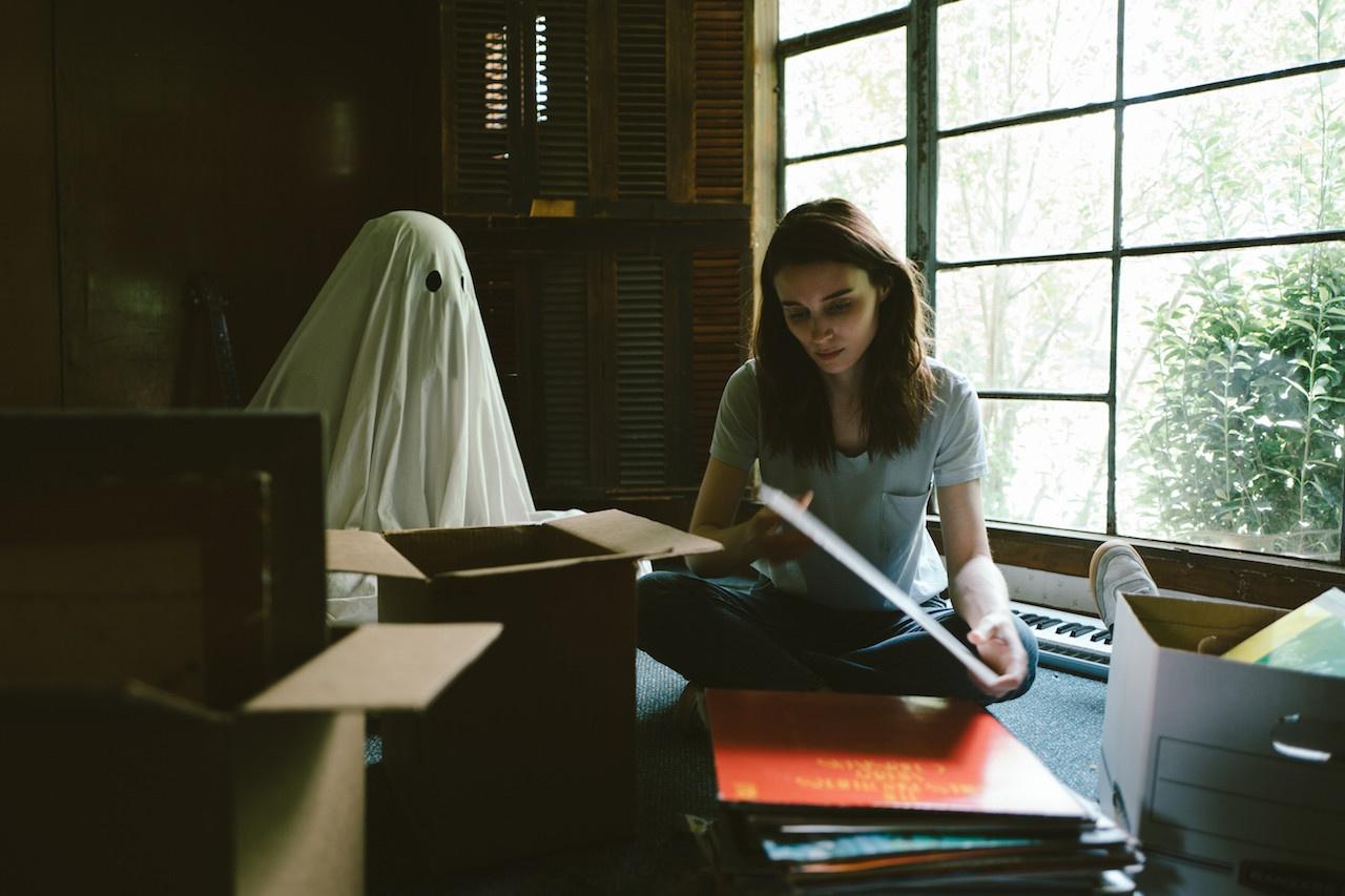 Storia di un fantasma recensione