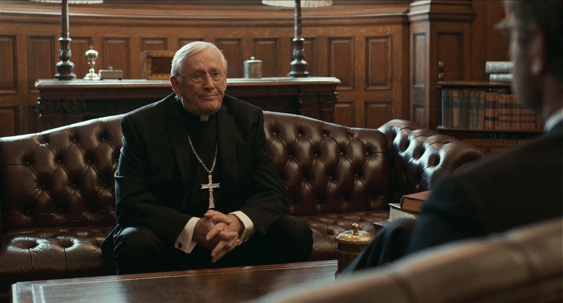 L'arcivescovo Law (Len Cariou)