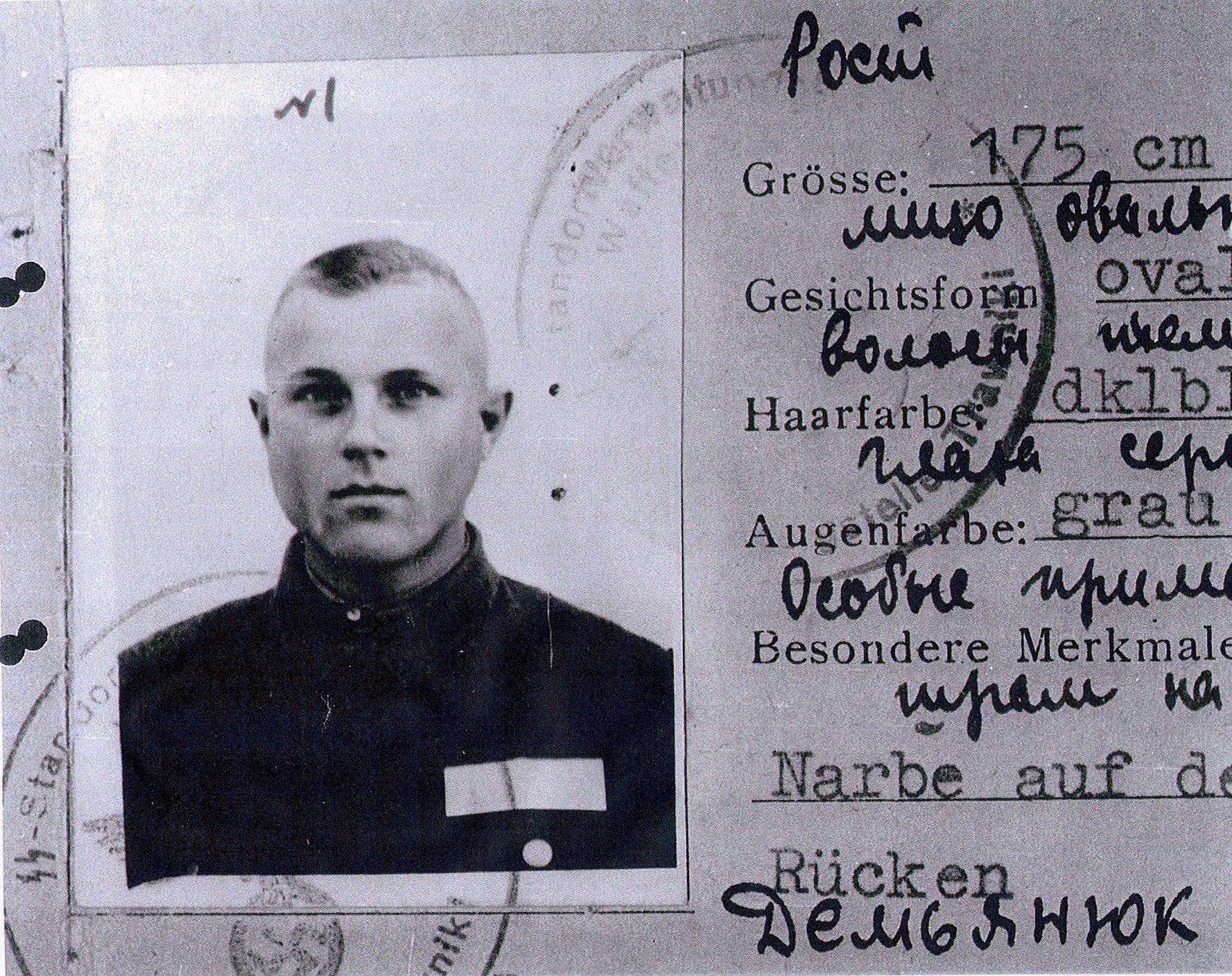 La carta d'identità di Ivan Demjanjuk