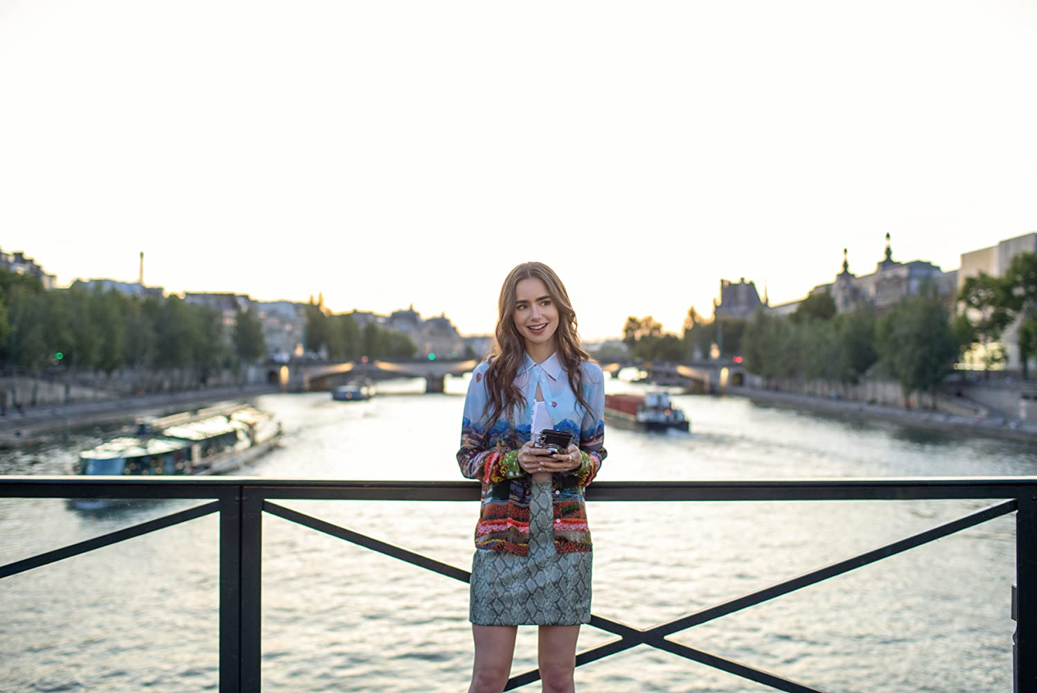 Emily in Paris recensione serie TV Netflix Lily Collins