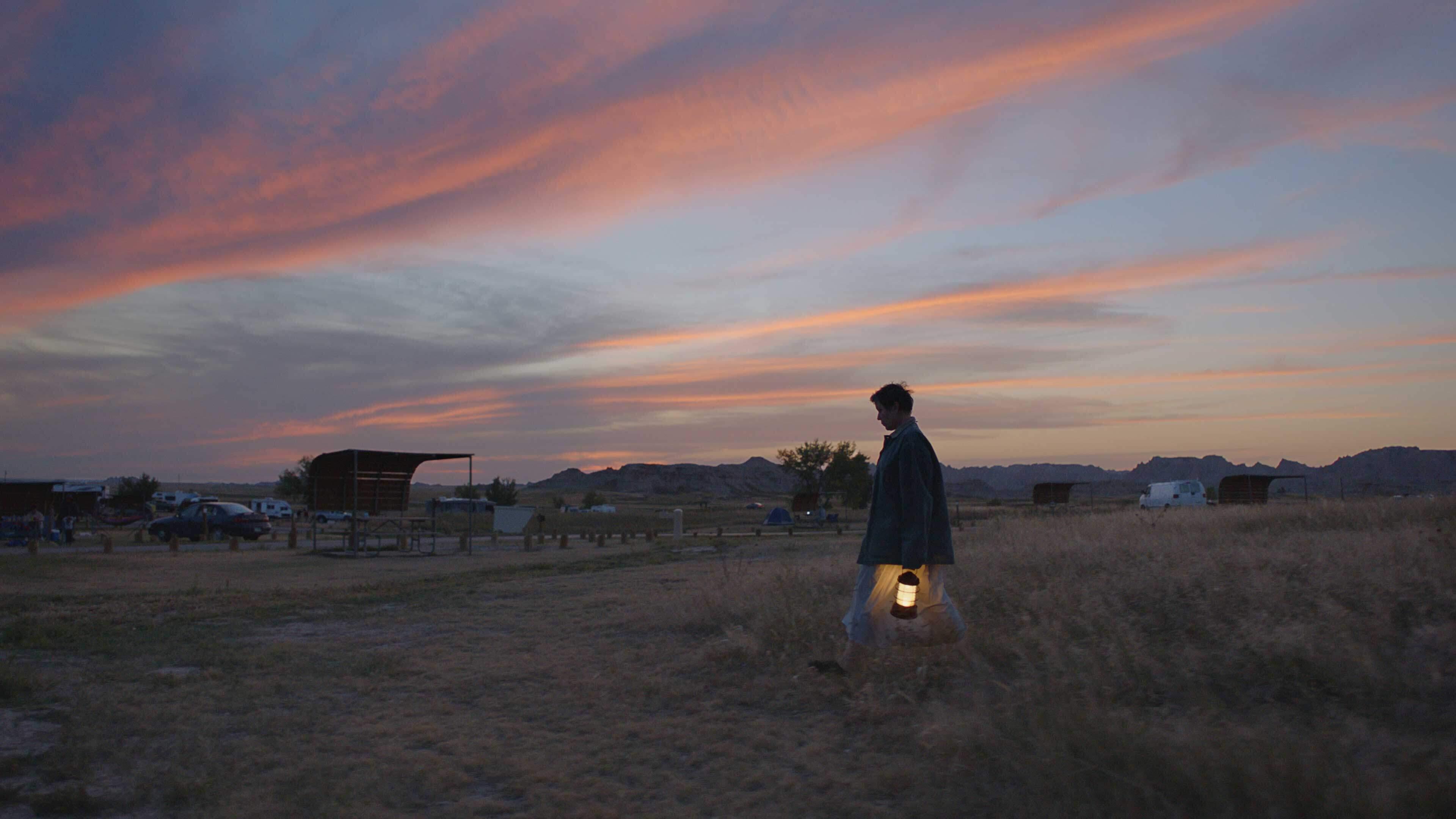 Nomadland recensione film di Chloé Zhao con Frances McDormand