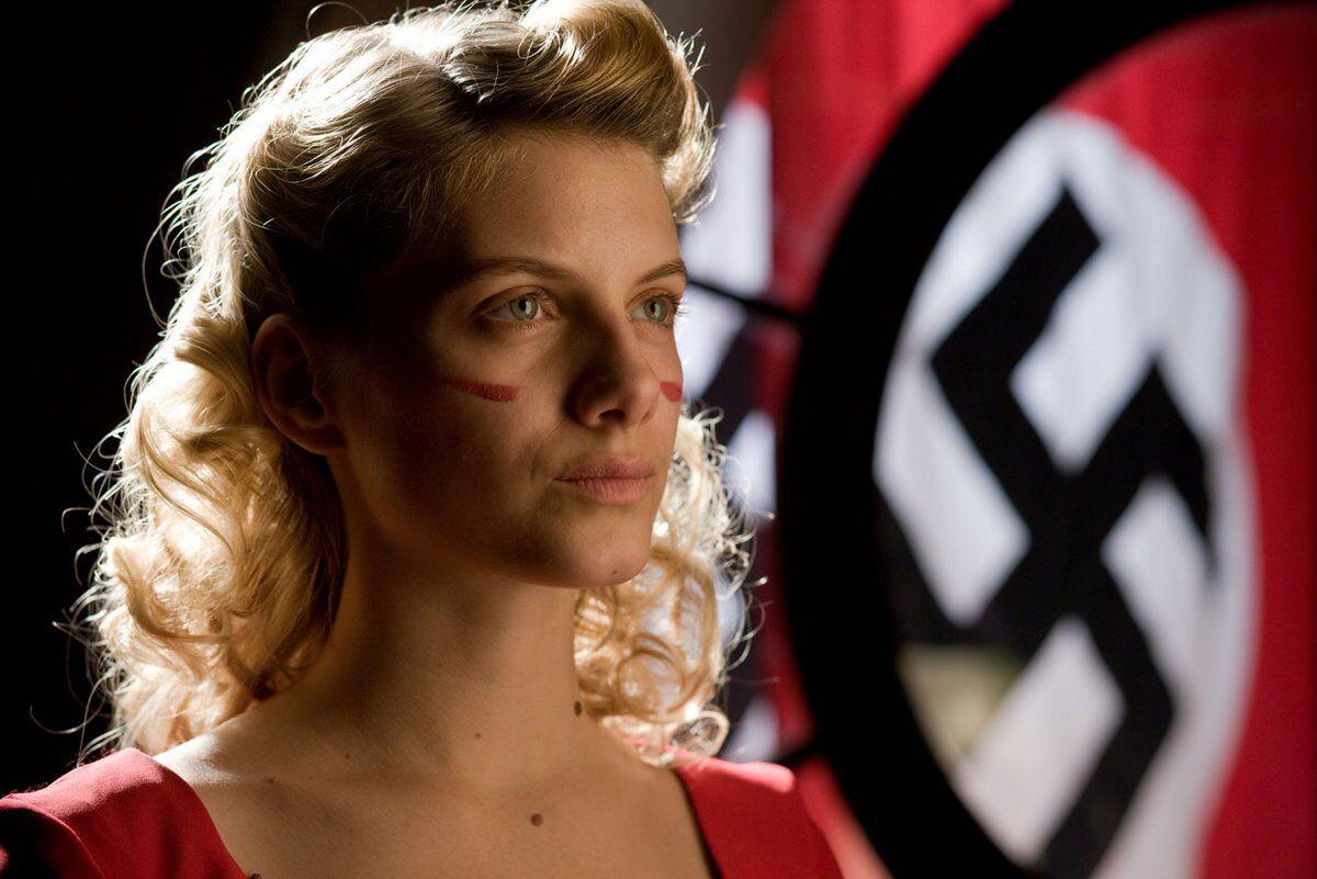 Shosanna Dreyfus in Bastardi senza gloria (2009)