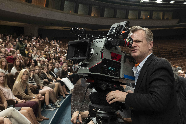 Christopher Nolan durante le riprese di Tenet