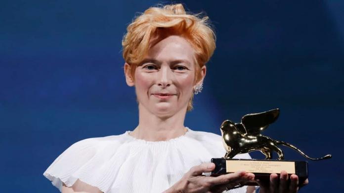 Tilda Swinton riceve il Leone d'Oro alla Carriera e tiene la sua MasterClass