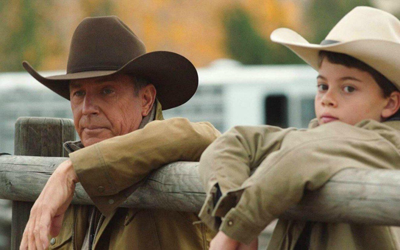 Kevin Costner in una scena di Yellowstone