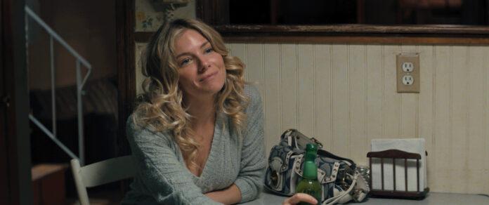 American Woman recensione film di Jake Scott con Sienna Miller