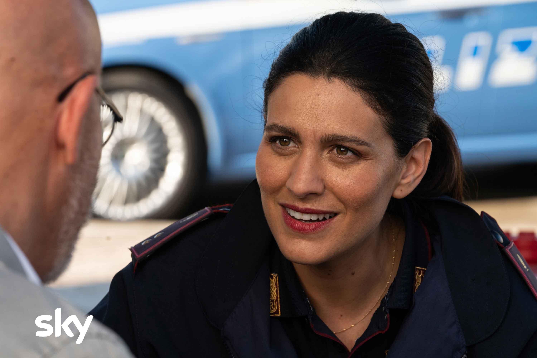 Cops - Una banda di poliziotti recensione serie TV di Luca Miniero con Claudio Bisio
