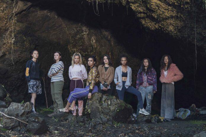 The Wilds recensione serie TV con Rachel Griffiths e Sophia Ali