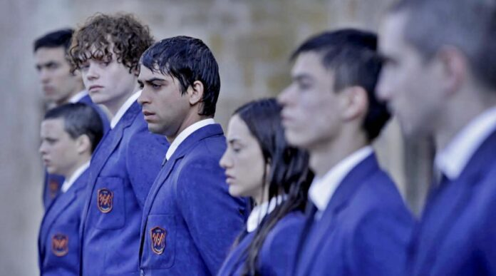 El Internado: Las Cumbres recensione serie TV Amazon