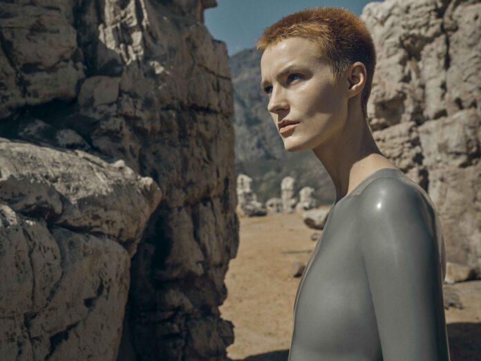 Raised by Wolves – Una nuova umanità recensione serie TV Sky