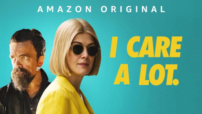 I Care a Lot recensione film Amazon con Rosamund Pike e Peter Dinklage