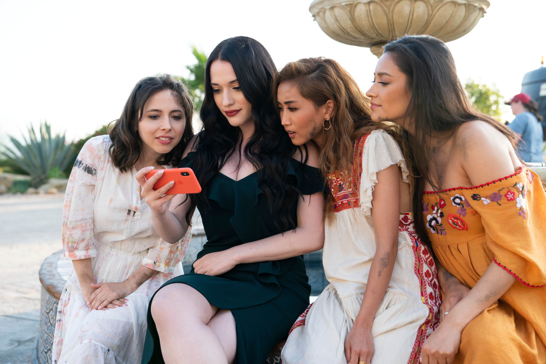 Esther Povitsky, Kat Dennings, Brenda Song e Shay Mitchell