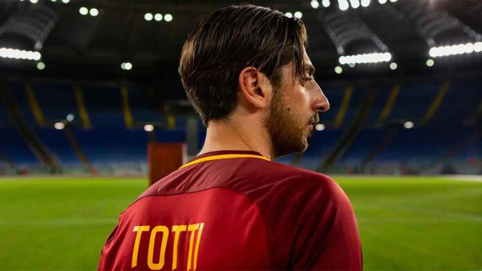 Speravo de morì prima - La serie su Francesco Totti recensione serie TV con Pietro Castellitto