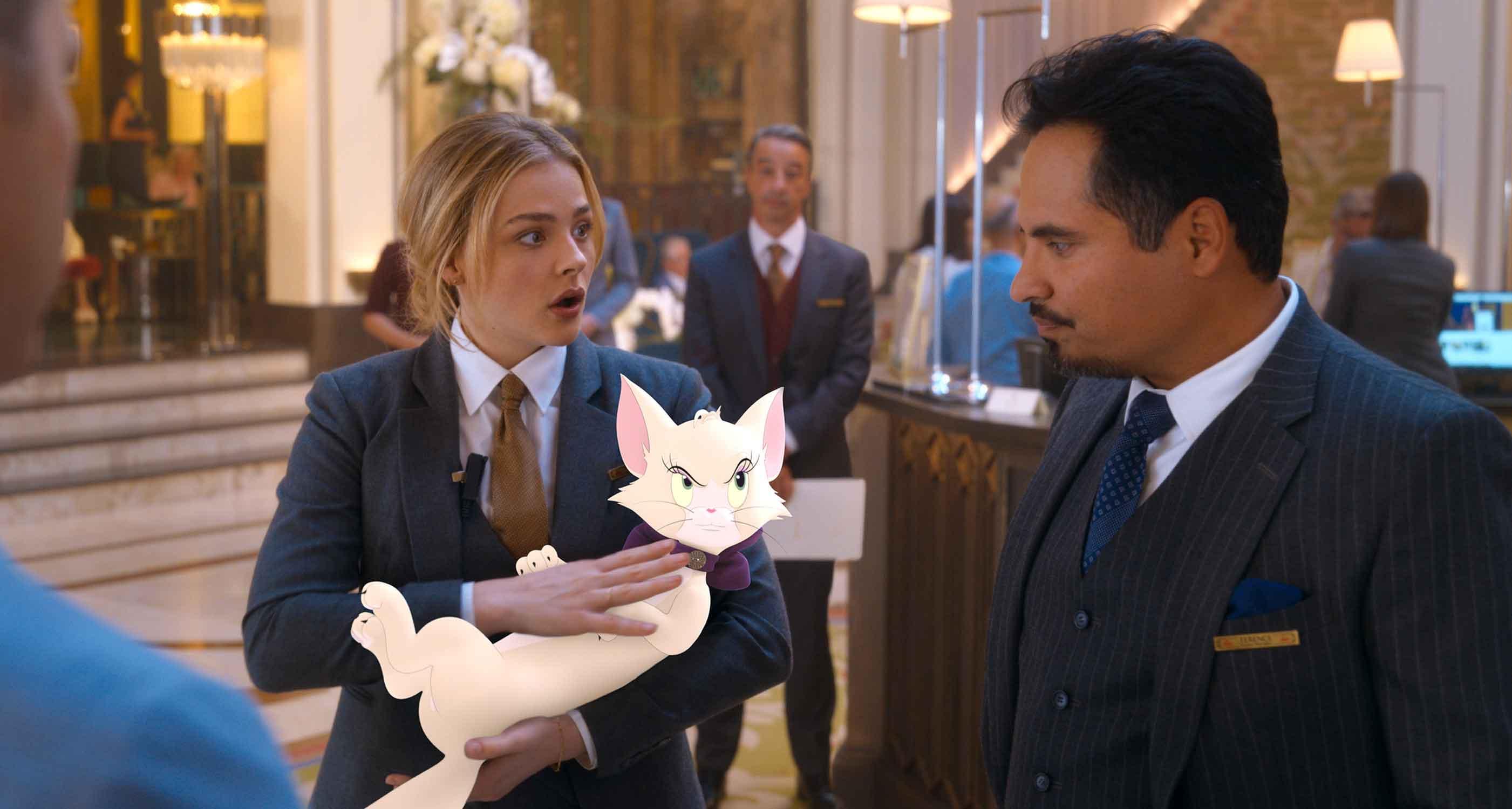 Tom & Jerry di Tim Story con Chloë Grace Moretz e Michael Peña
