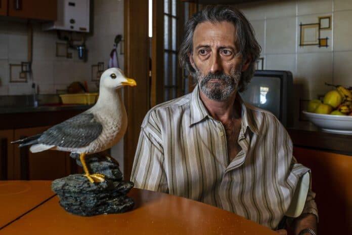 Il ladro di cardellini recensione film di Carlo Luglio con Nando Paone