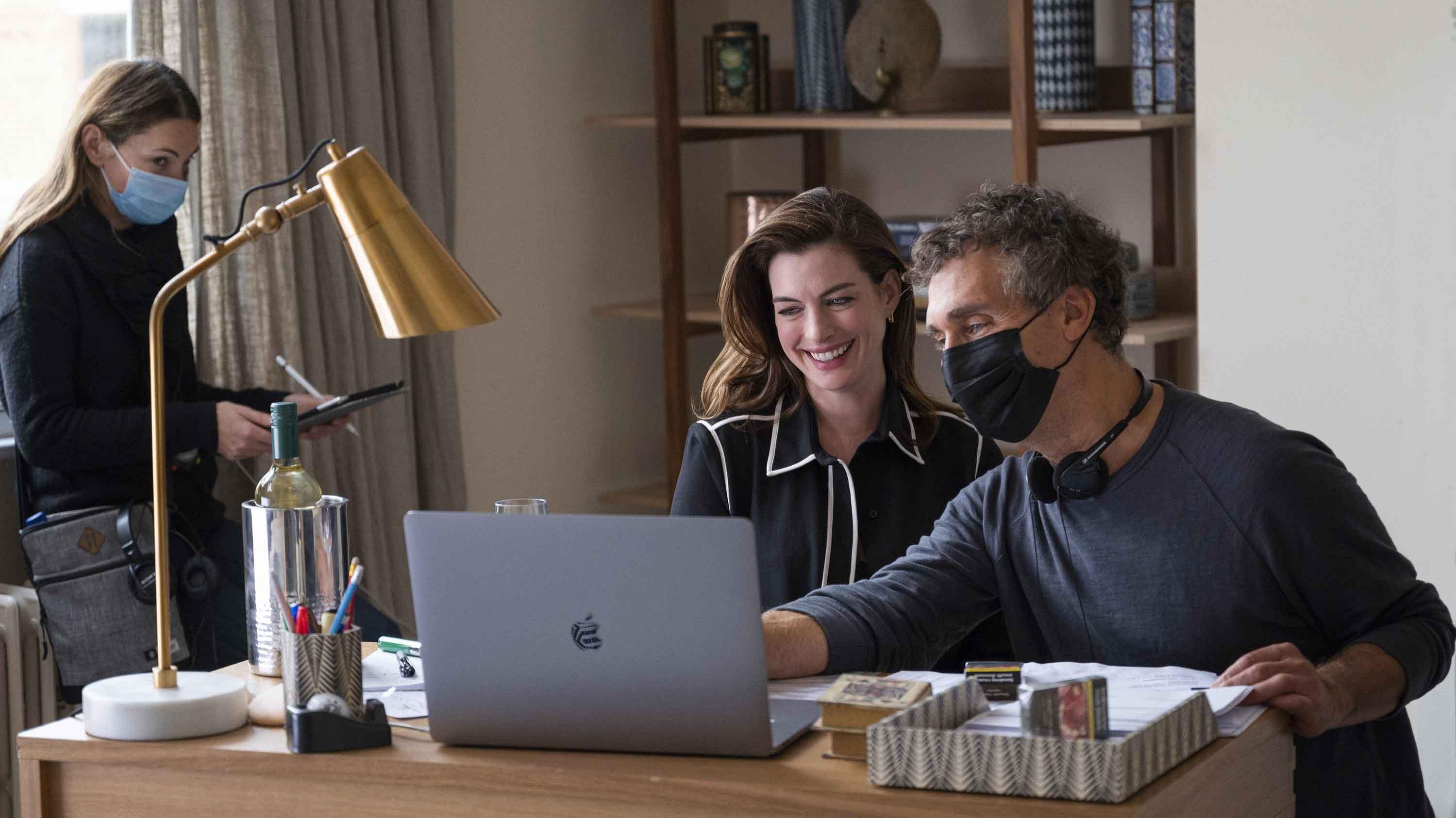 Anne Hathaway e Doug Liman