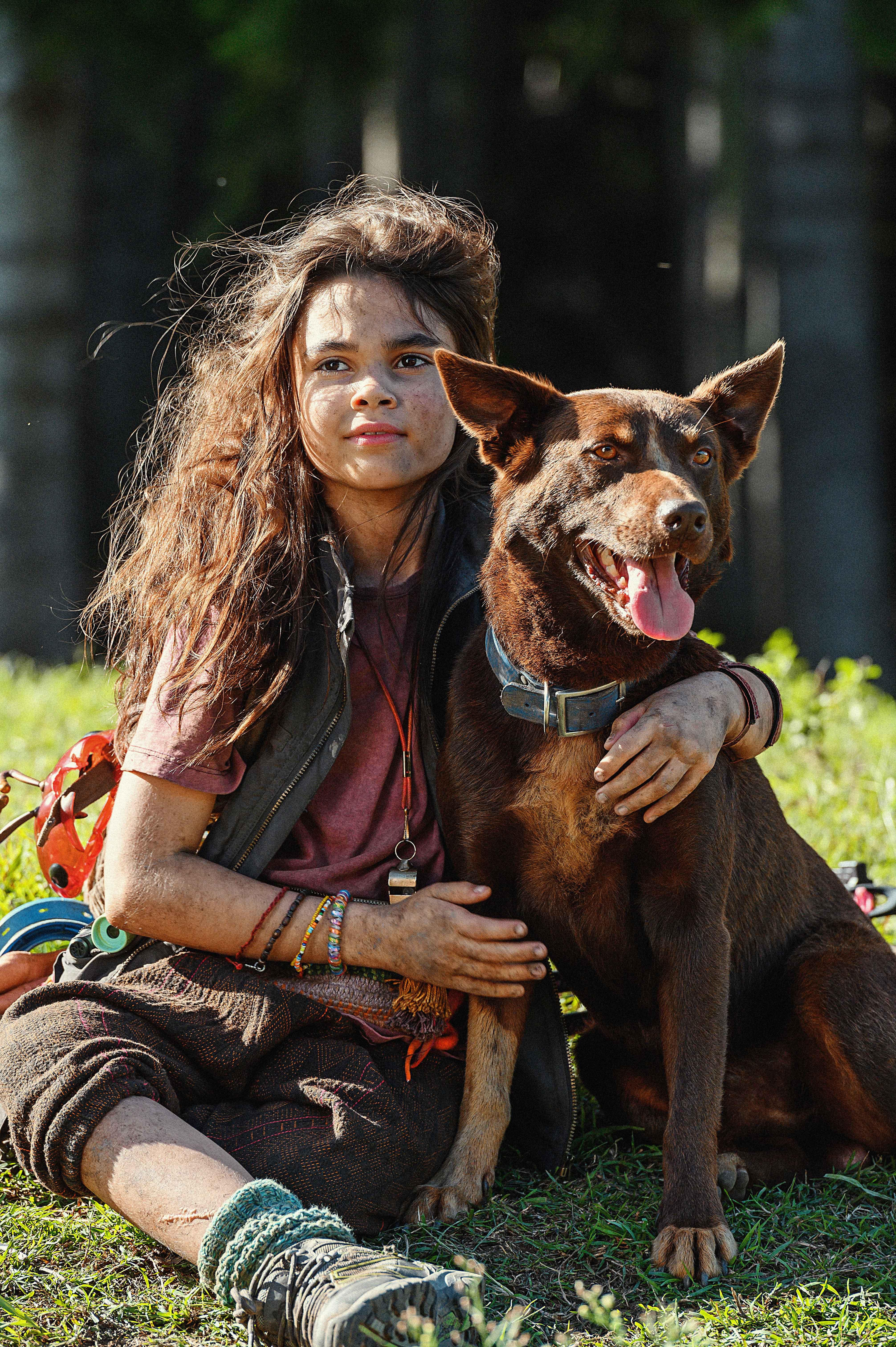Ariana Greenblatt e Boy, il cane Hero