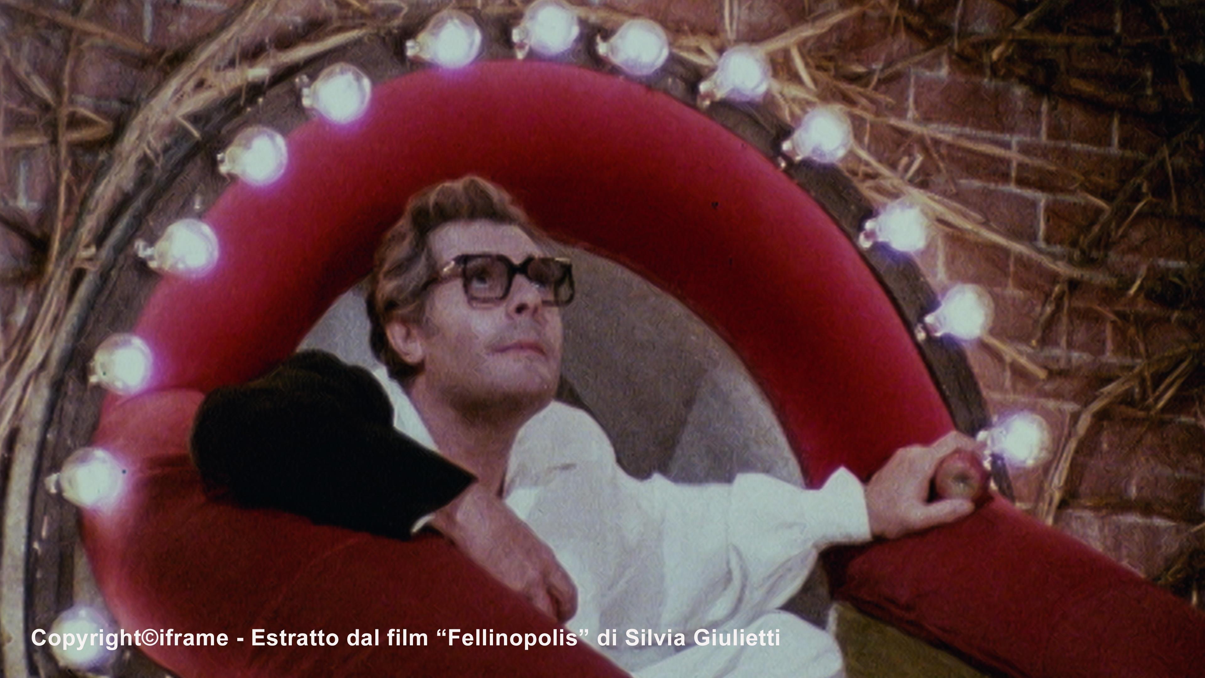 Marcello Mastroianni in Fellinopolis