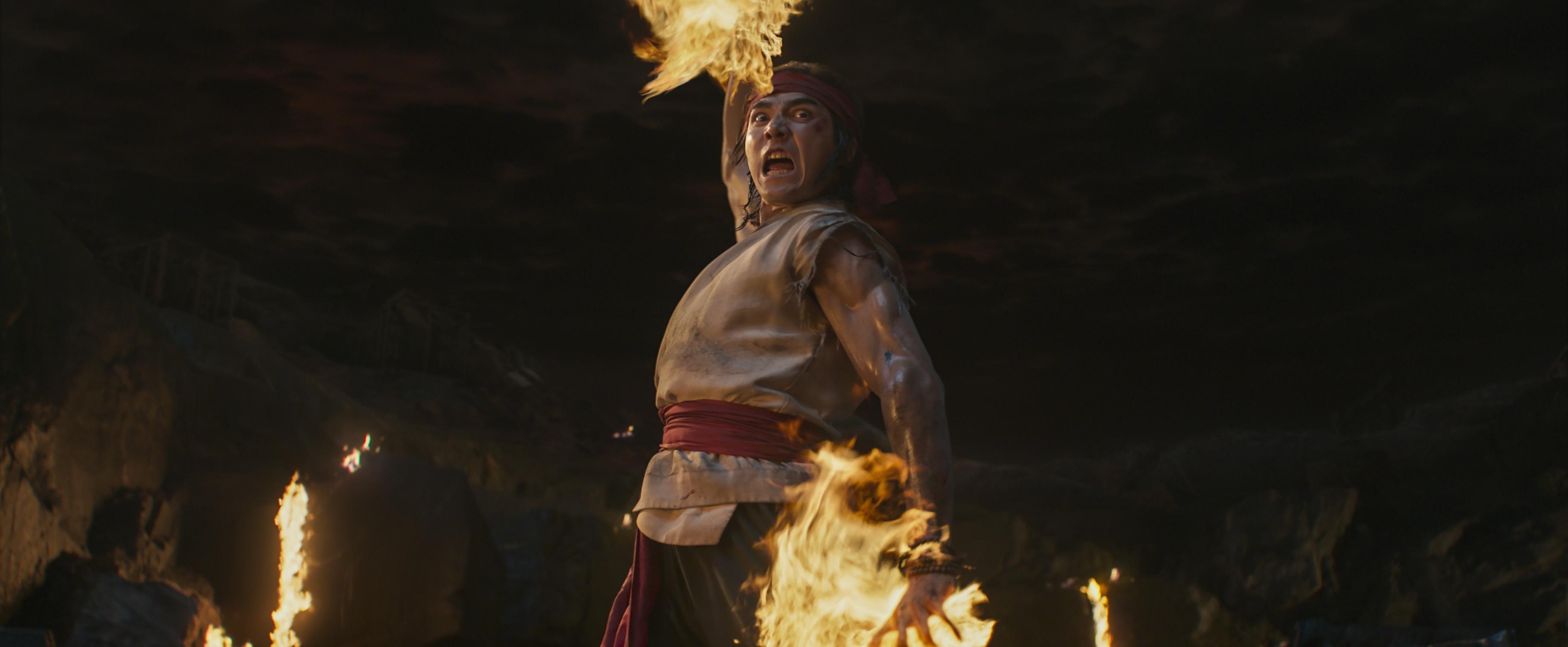 Mortal Kombat recensione film Sky con Lewis Tan e Jessica McNamee